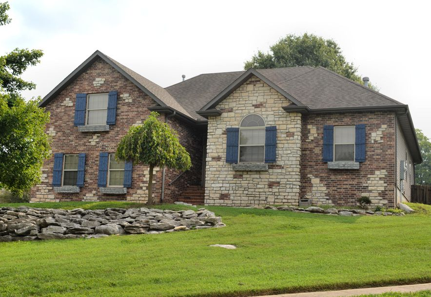 2481 West Chatsworth Court Springfield, MO 65807 - Photo 2