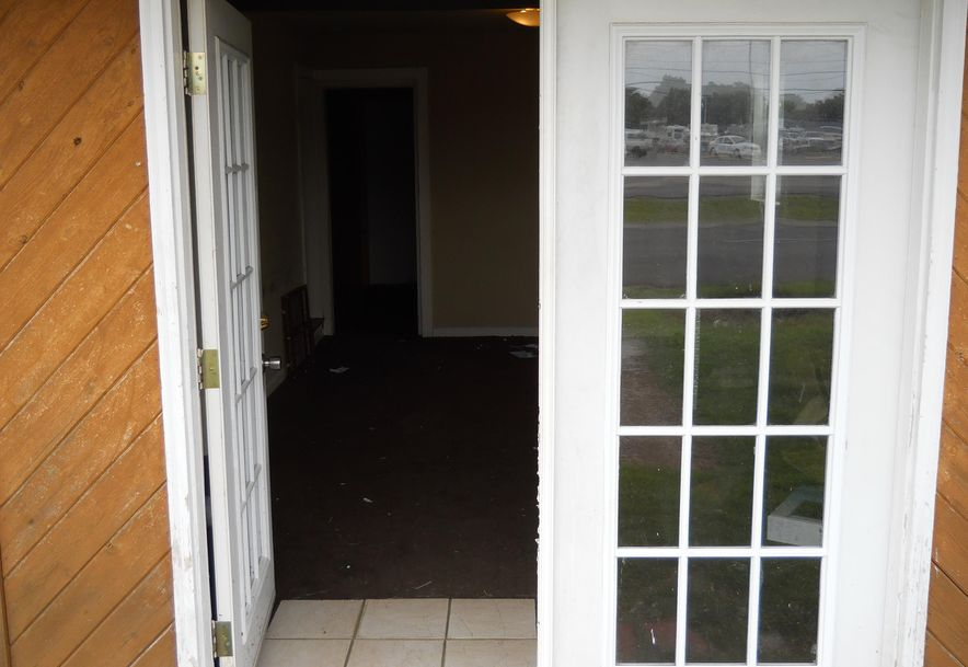 2939 West Sunshine Street Springfield, MO 65807 - Photo 2