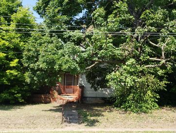 1017 North Campbell Avenue Springfield, MO 65802 - Image 1