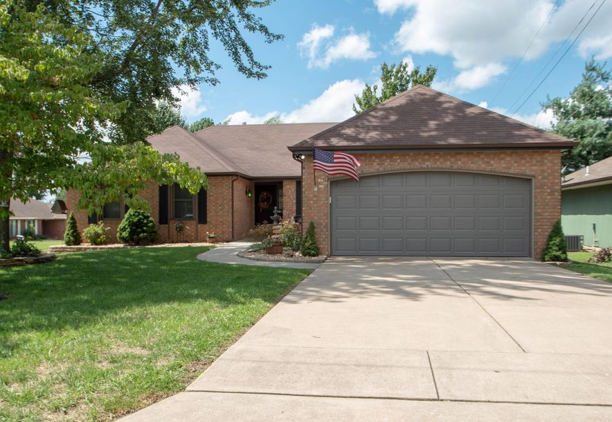 3545 South Weller Avenue Springfield, MO 65804 - Photo 1