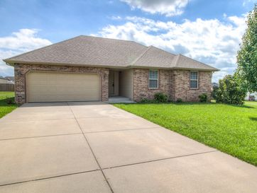 204 Eagle Lane Willard, MO 65781 - Image 1