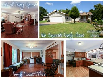 207 Wilshire Drive Hollister, MO 65672 - Image 1