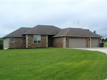 1536 Mount Carmel Road Clever, MO 65631 - Image 1