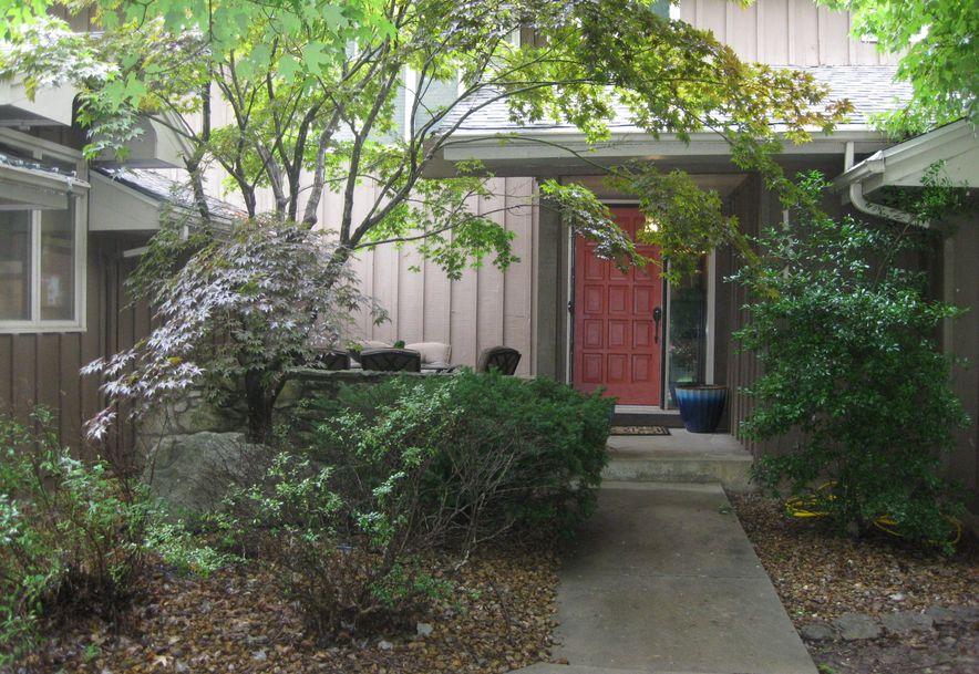 1344 South Blueridge Place Springfield, MO 65809 - Photo 3