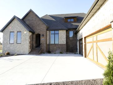 3215 West Bluffview Street Springfield, MO 65810 - Image 1
