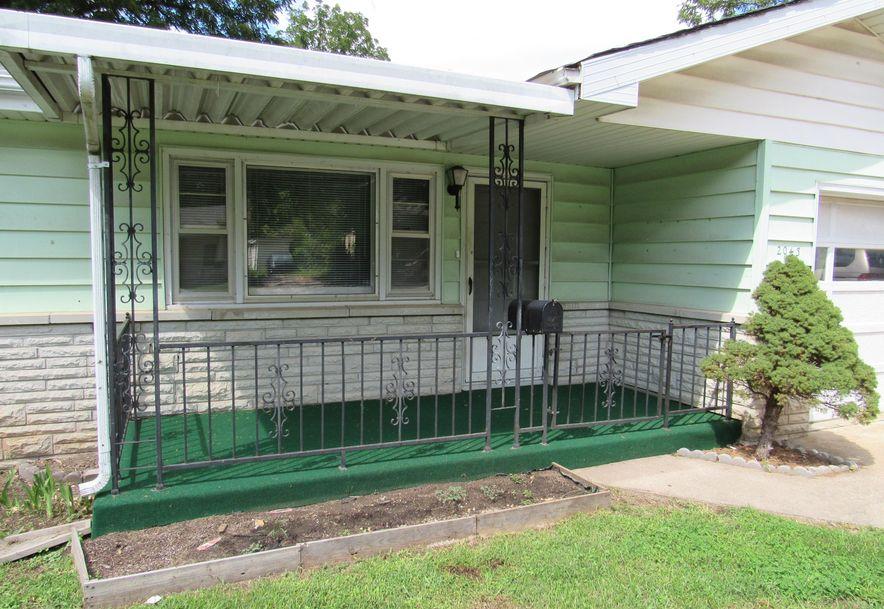 2043 North Fremont Avenue Springfield, MO 65803 - Photo 2