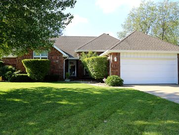 2262 West Allen Drive Springfield, MO 65810 - Image 1