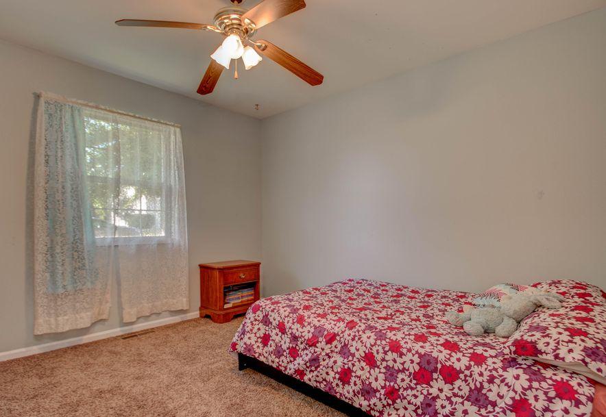 507 East Sunset Stockton, MO 65785 - Photo 14