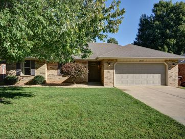 3829 West Dover Street Springfield, MO 65802 - Image 1