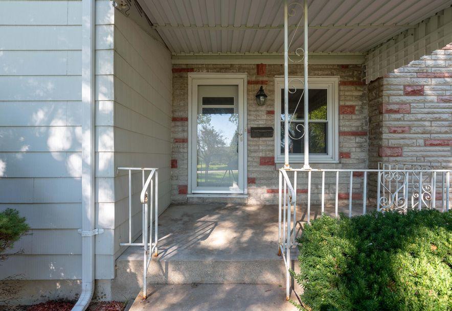 1425 South Kentwood Avenue Springfield, MO 65804 - Photo 2