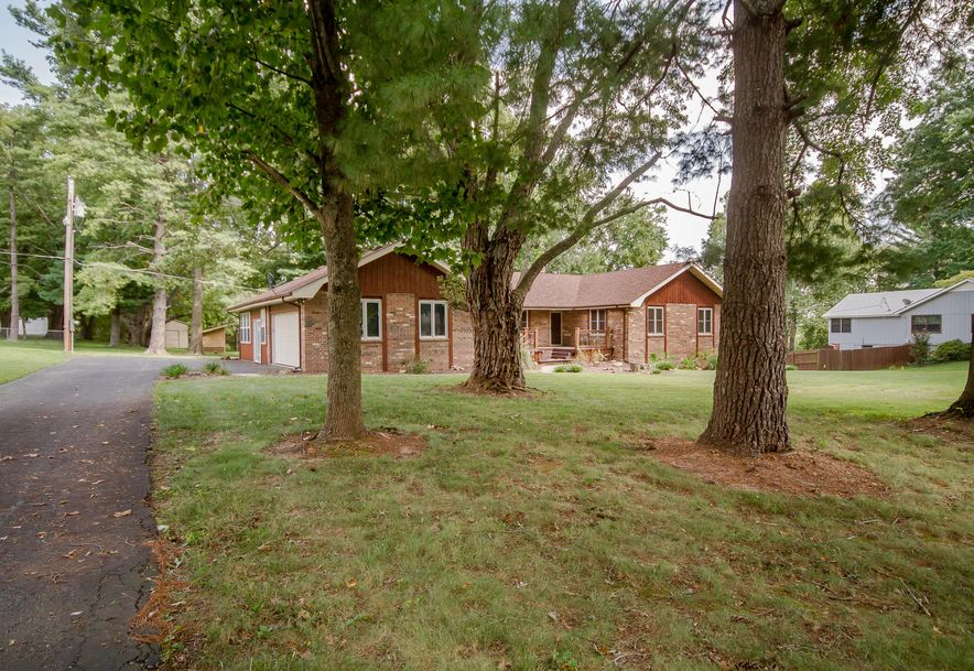 5908 South Hilltop Drive Springfield, MO 65810 - Photo 2