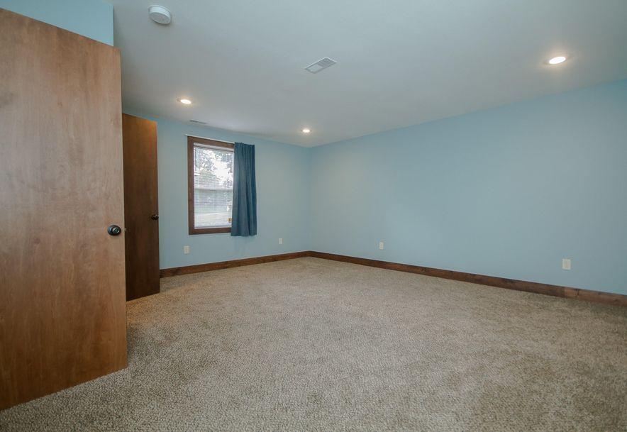 5908 South Hilltop Drive Springfield, MO 65810 - Photo 31