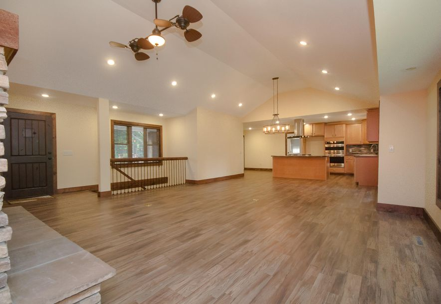 5908 South Hilltop Drive Springfield, MO 65810 - Photo 8