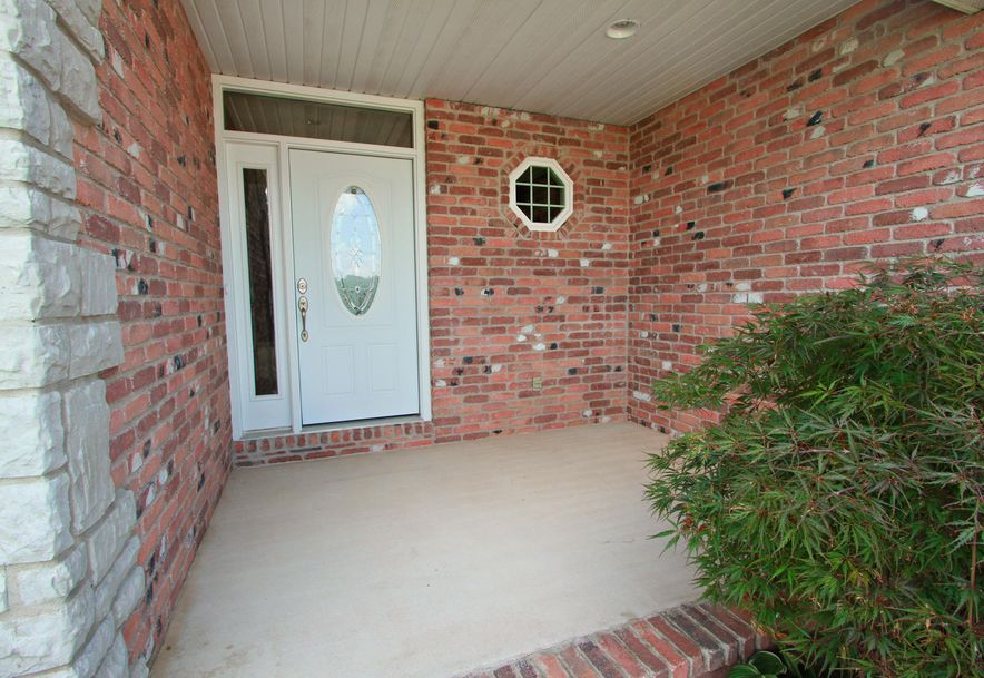 1050 Berkley Drive Marshfield, MO 65706 - Photo 2