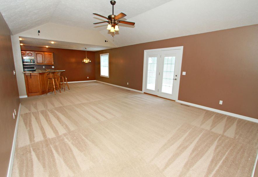 1050 Berkley Drive Marshfield, MO 65706 - Photo 3