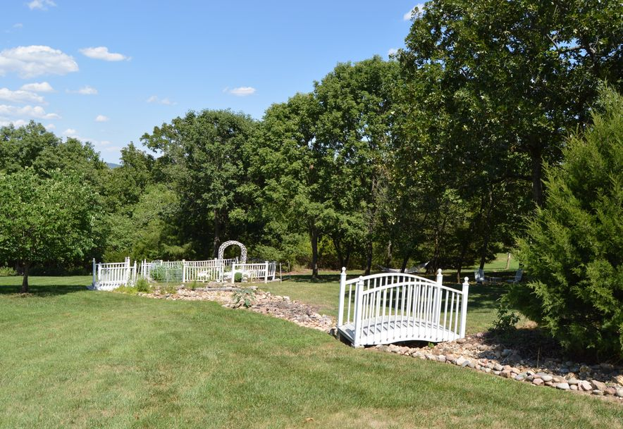 337 Morgan Trl Reeds Spring, MO 65737 - Photo 9
