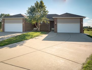 300 Excalibur Court Willard, MO 65781 - Image 1