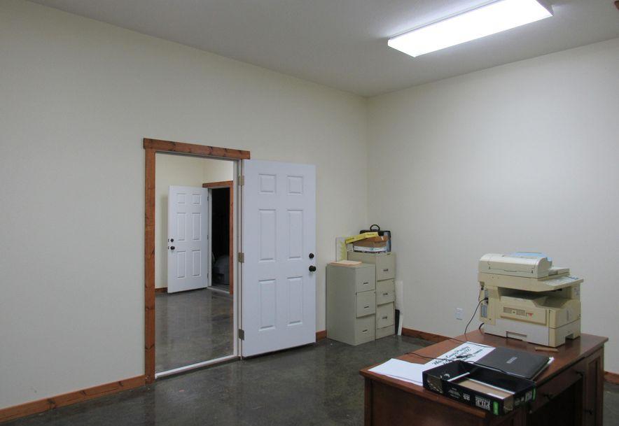 975 Daniel Drive Mt Vernon, MO 65712 - Photo 23