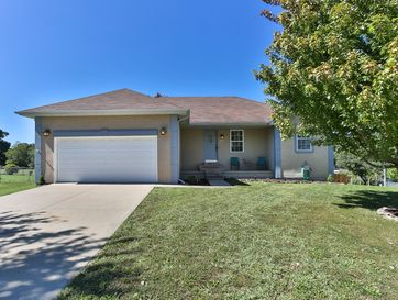 735 Poplar Court Marshfield, MO 65706 - Image 1