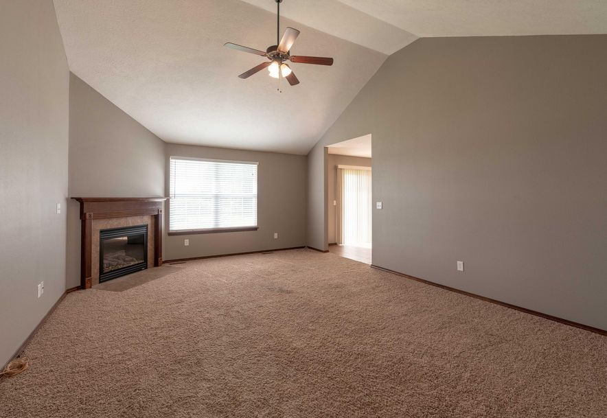 775 Meadowview Rogersville, MO 65742 - Photo 3