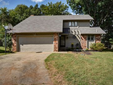 1437 West Riverside Street Springfield, MO 65807 - Image 1
