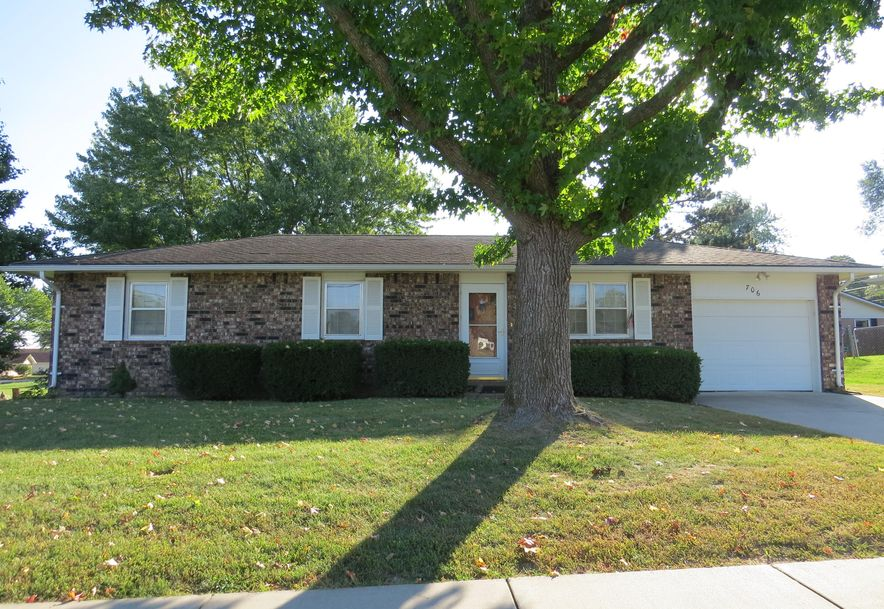 706 North Hartford Avenue Bolivar, MO 65613 - Photo 2