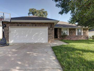 979 Glen Oaks Drive Nixa, MO 65714 - Image 1