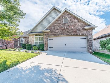 3192 West Melbourne Street Springfield, MO 65810 - Image 1