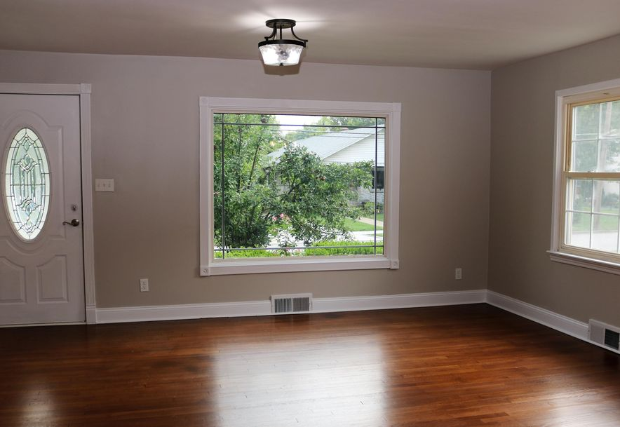 1675 East Lombard Street Springfield, MO 65802 - Photo 4