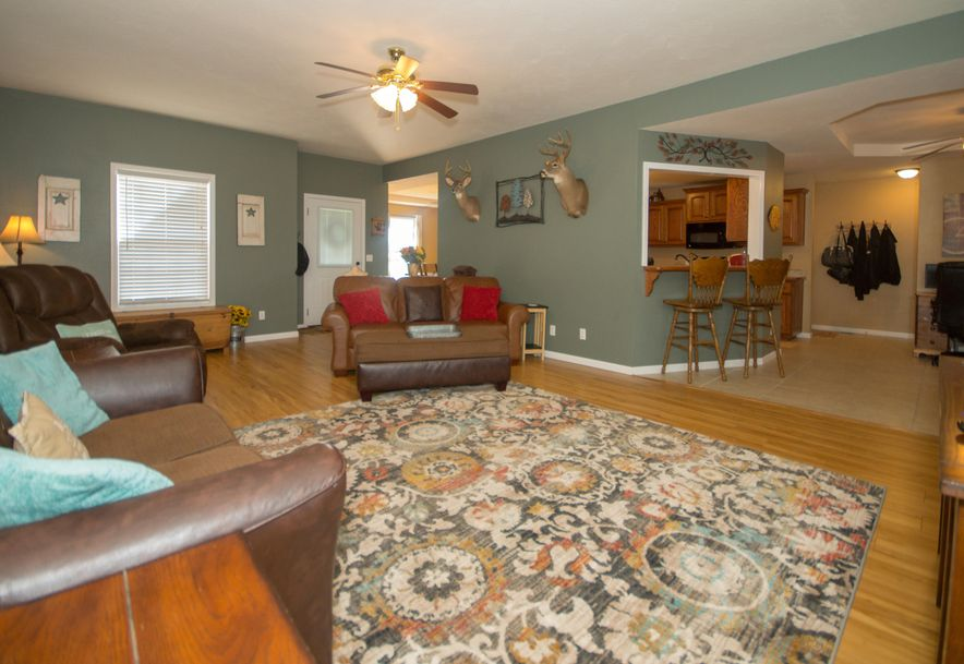 909 Riverview Road Marshfield, MO 65706 - Photo 7