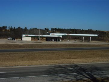 450 Potters Road Willow Springs, MO 65793 - Image 1