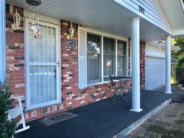 Photo of 202 West Oak Street
