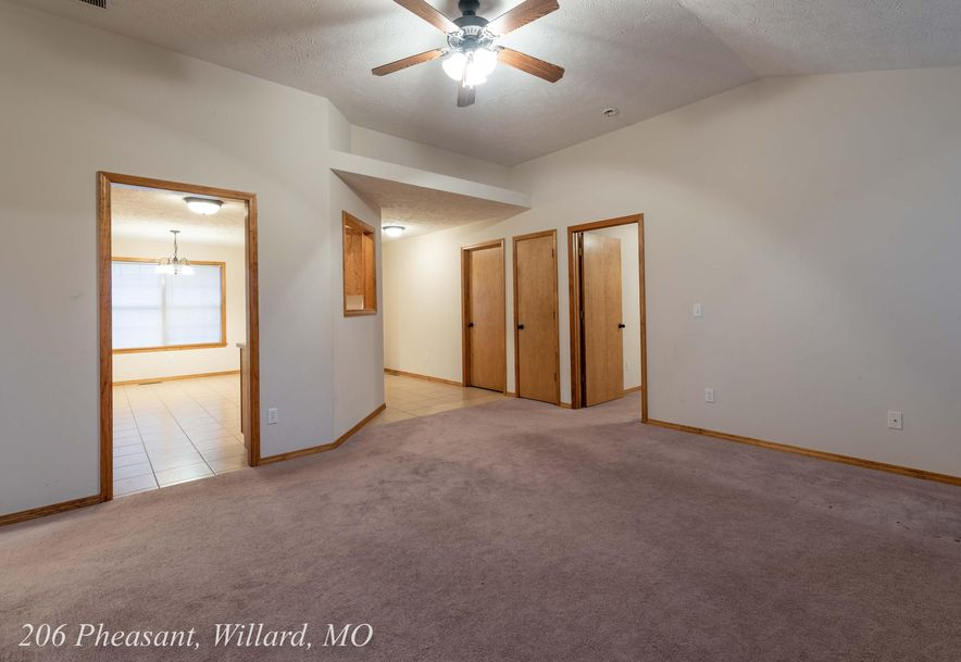 206 Pheasant Willard, MO 65781 - Photo 12