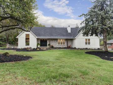 2772 East Southern Hills Boulevard Springfield, MO 65804 - Image 1