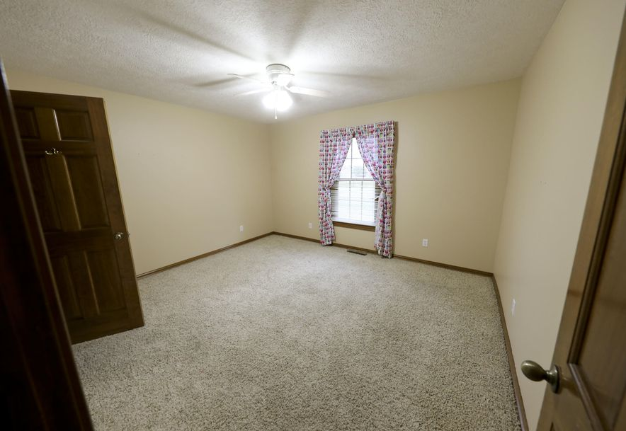 585 Ghan Road Clever, MO 65631 - Photo 16