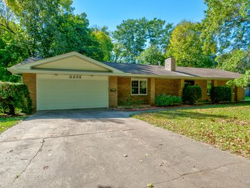 2234 East Sunset Drive Springfield, MO 65804 - Image 1