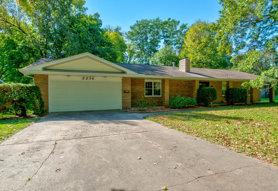 2234 East Sunset Drive Springfield, MO 65804 - Photo 1