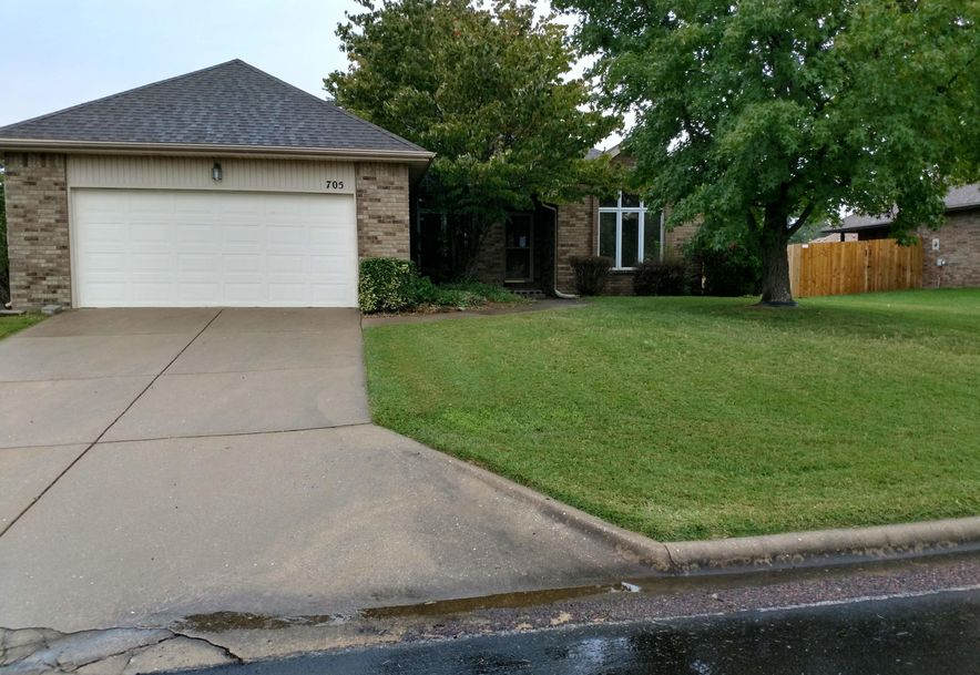 705 Robinwood Lane Nixa, MO 65714 - Photo 1