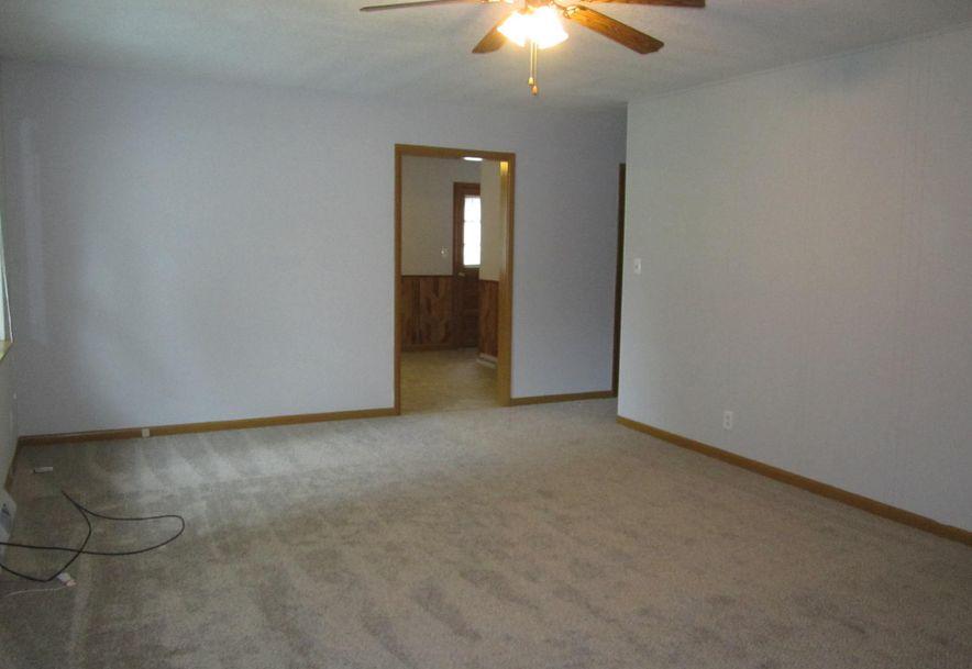 422 South Villa Rose Avenue Springfield, MO 65802 - Photo 4