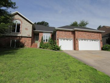 2555 South Chapel Drive Springfield, MO 65809 - Image 1