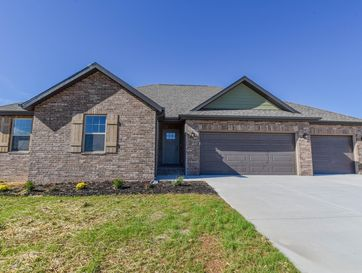 153 Southern Fields Circle Clever, MO 65631 - Image 1