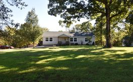Photo Of 146 Woodpecker Road Reeds Spring, MO 65737