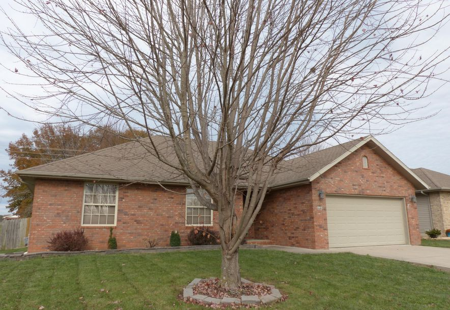993 West Cambridge Avenue Nixa, MO 65714 - Photo 1
