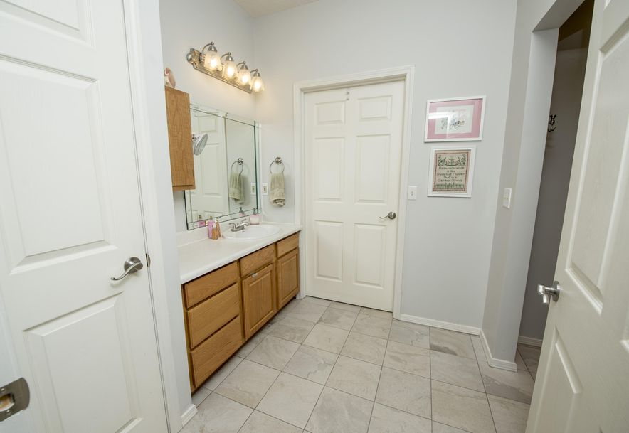1717 West Elfindale Street 4-A Springfield, MO 65807 - Photo 18