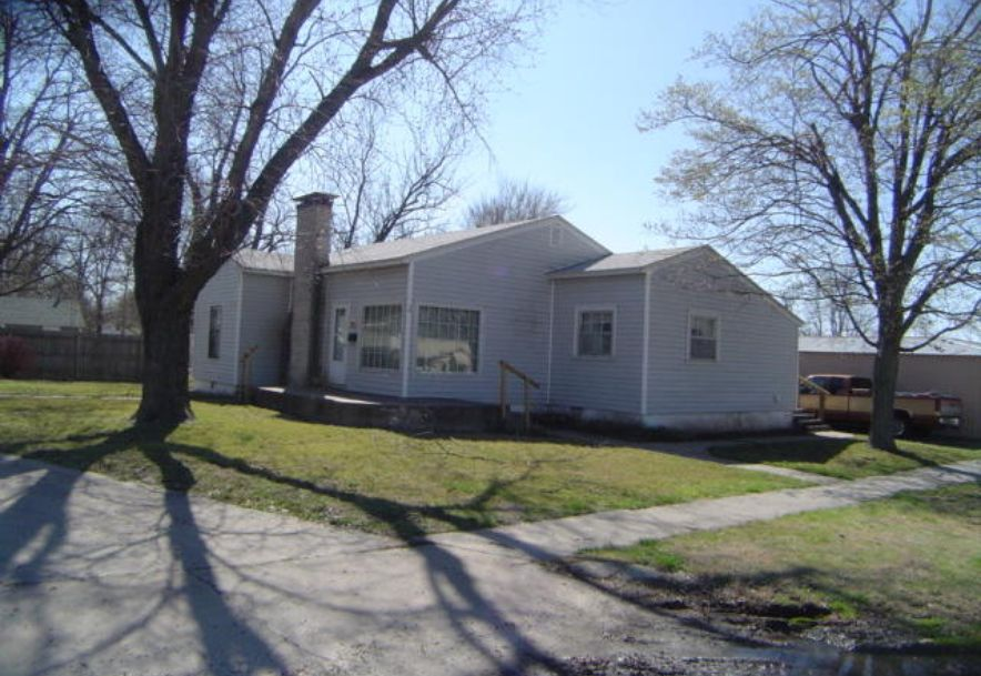 12 West Church Street Aurora, MO 65605 - Photo 1