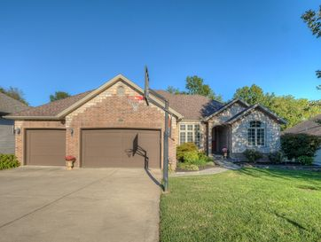 5054 South Clifton Avenue Springfield, MO 65810 - Image 1