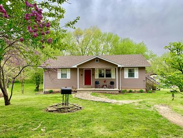 303 Washington Street Mountain View, MO 65548 - Image 1