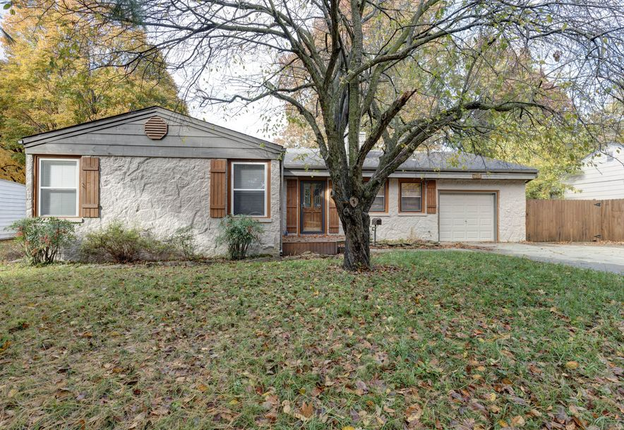 1527 South Kentwood Avenue Springfield, MO 65804 - Photo 1