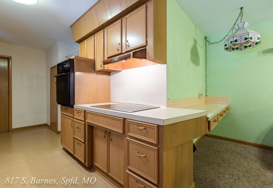 817 South Barnes Avenue Springfield, MO 65802 - Photo 12