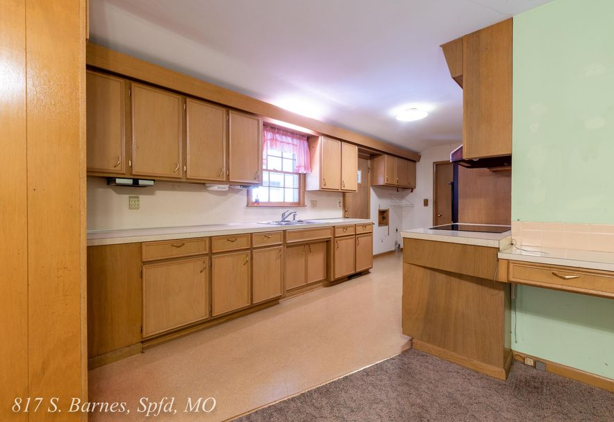 817 South Barnes Avenue Springfield, MO 65802 - Photo 10